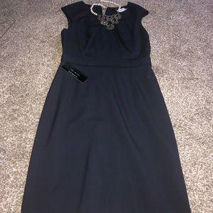 Women Navy blue pencil dress size 4 w/necklace!!